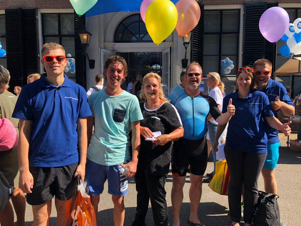 team de broncode Swim to fight cancer